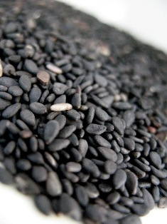 Black-Sesame-Seeds_quarterC (6) - Copy