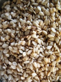 Brown_sesame-seeds_unhulled_soaked - Copy